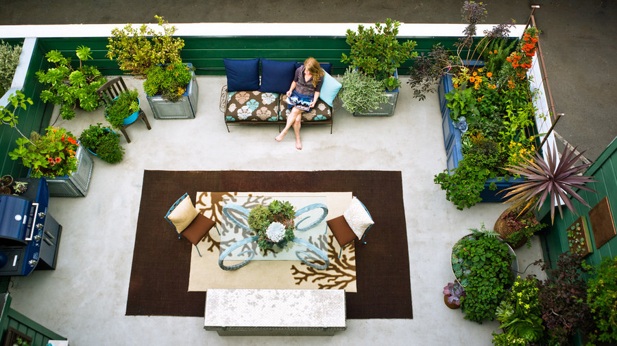 Small Yard Design Solutions Sunset Magazine Sunset Magazine - Small backyard ideas