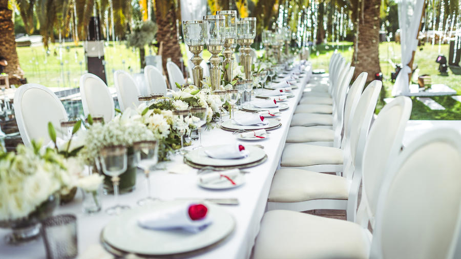 Innovative Wedding Gifts: 11 Modern Wedding Décor Ideas